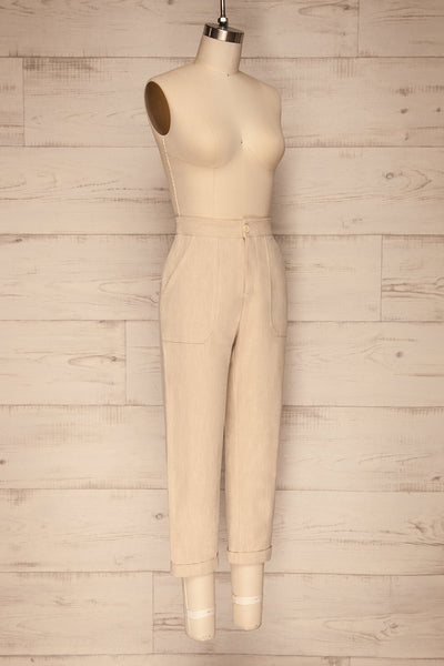 Altenberg Beige Linen Cropped Pants side view | La petite garçonne