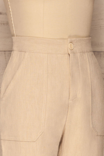 Altenberg Beige Linen Cropped Pants side close up | La petite garçonne