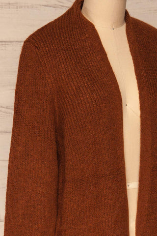 Arnhem Muscade Brown Knit Cardigan w/ Pockets | La Petite Garçonne side close-up