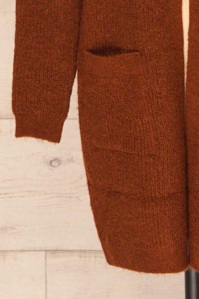 Arnhem Muscade Brown Knit Cardigan w/ Pockets | La Petite Garçonne bottom close-up