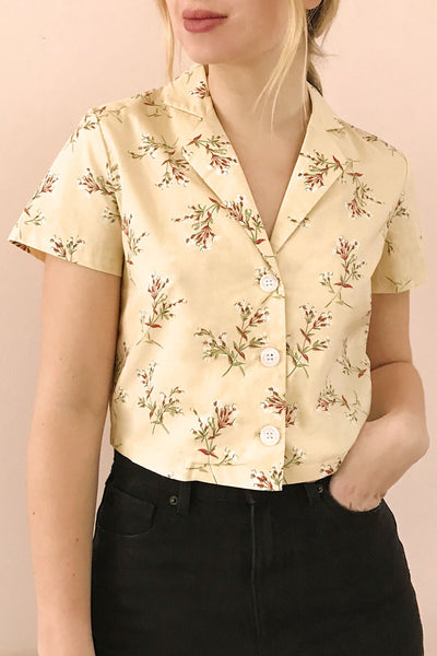 Arnleif Beige Floral Buttoned Crop Top | Boutique 1861 model close up