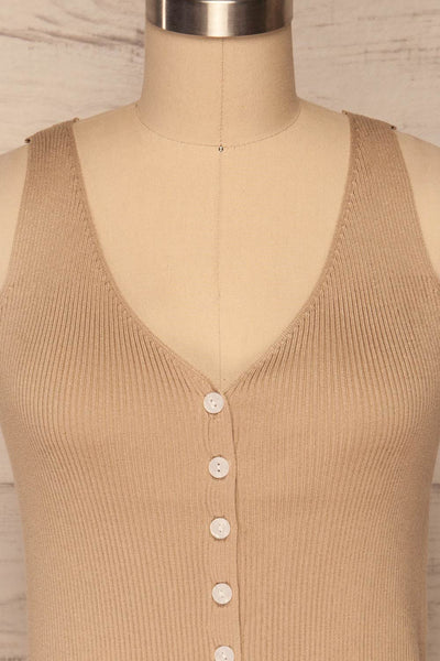 Arriphe Beige Ribbed Cami w/ Buttons | La petite garçonne front close up