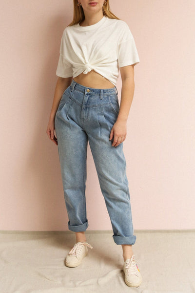 Arvika Chalk White Cropped T-Shirt | La petite garçonne on model