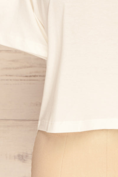 Arvika Chalk White Cotton Cropped T-Shirt | La Petite Garçonne bottom close-up