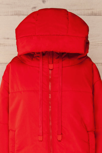 Bachillero Red Cropped Puffer Jacket | La petite garçonne front hood close-up