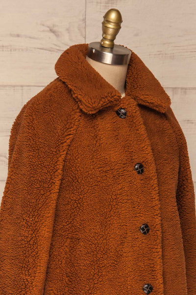 Bantigny Cannelle Brown Wooly Fleece Coat | La Petite Garçonne side close-up
