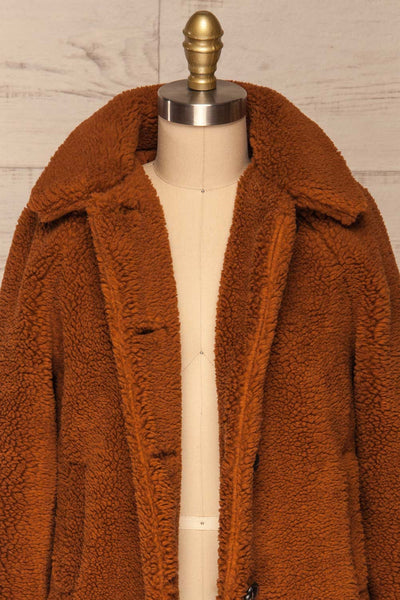 Bantigny Cannelle Brown Wooly Fleece Coat | La Petite Garçonne front close-up open