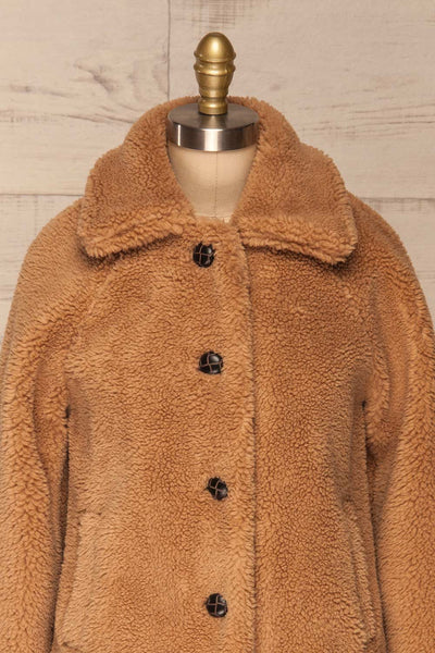 Bantigny Gingembre Beige Wooly Fleece Coat | La Petite Garçonne front close-up
