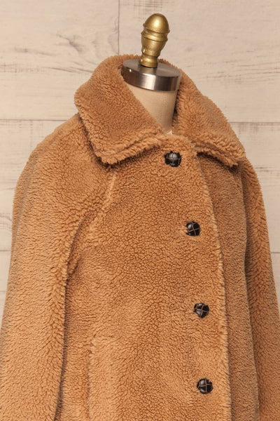 Bantigny Gingembre Beige Wooly Fleece Coat | La Petite Garçonne side close-up