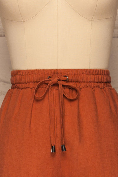 Barbascal Rust Orange Cropped Pants | La petite garçonne front close-up