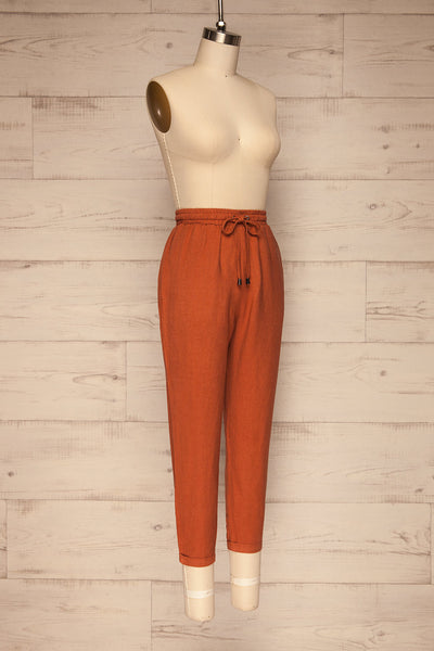 Barbascal Rust Orange Cropped Pants | La petite garçonne side view