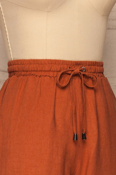Barbascal Rust Orange Cropped Pants | La petite garçonne side close-up