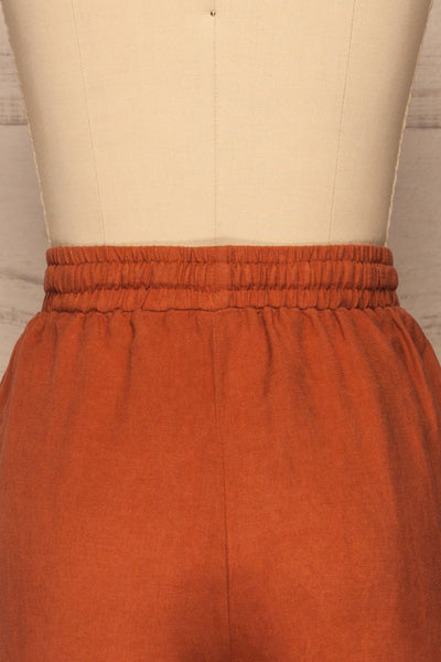 Barbascal Rust Orange Cropped Pants | La petite garçonne back close-up