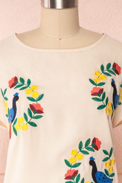 Benedikte Beige T-Shirt w/ Birds | Boutique 1861 front close up