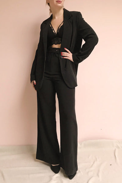 Eistir Noir Black High Waisted Pants | La petite garçonne on model