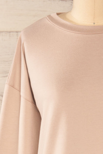 Boxy Taupe Crewneck Sweater | La petite garçonne front close-up