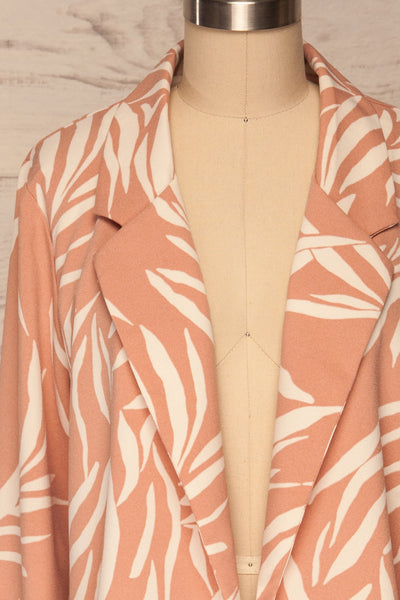 Briach Pink & White Oversized Blazer front close up | La petite garçonne
