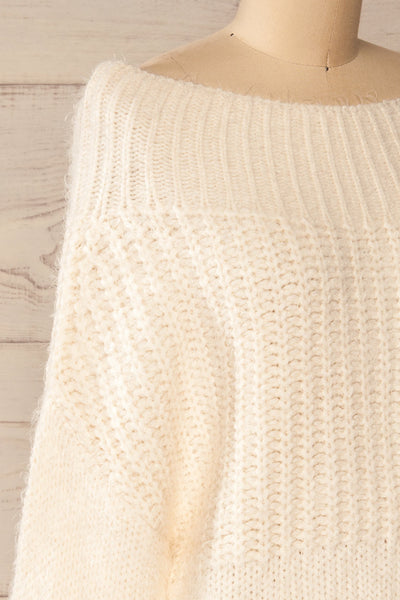 Briansk White Fuzzy Cropped Sweater | La petite garçonne side close-up