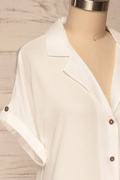 Buzau White Buttoned Short Sleeved Top side close up | La petite garçonne