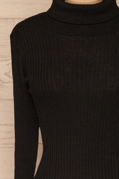 Calcitante Black Long Sleeve Turtleneck Top | La petite garçonne front close-up