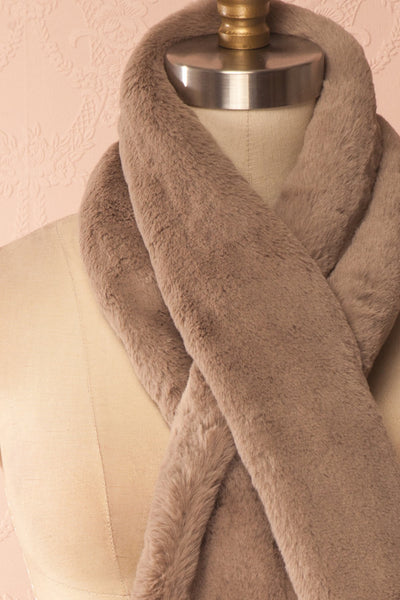 Calor Taupe Faux-Fur Stole | Boutique 1861 7