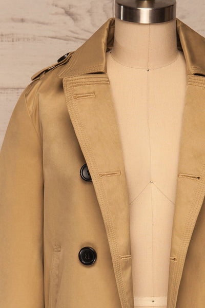 Capsol Light Khaki Short Trench Jacket front close up open | La petite garçonne