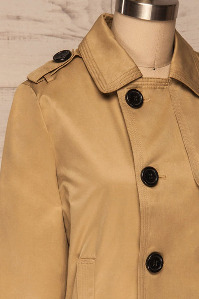 Capsol Light Khaki Short Trench Jacket side close up | La petite garçonne