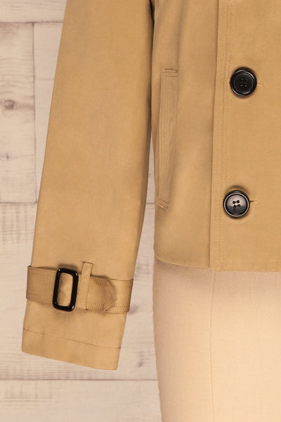 Capsol Light Khaki Short Trench Jacket sleeve front | La petite garçonne
