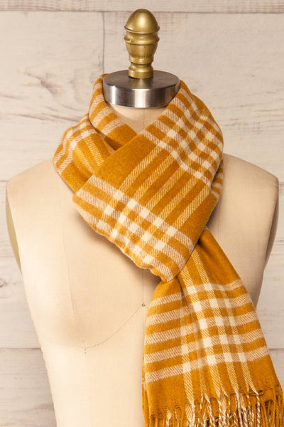 Caravane Yellow Soft Knitted Scarf | La petite garçonne knot close-up