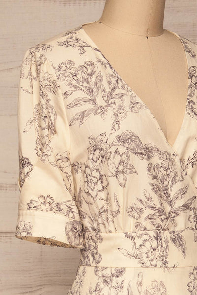 Cariyacu Off-White Floral Wrap Dress | La petite garçonne  side close-up