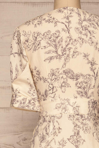 Cariyacu Off-White Floral Wrap Dress | La petite garçonne  back close-up