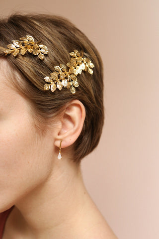 Charline Quartz Golden Earrings | Pendantes | Boutique 1861 on model with a pixie cut