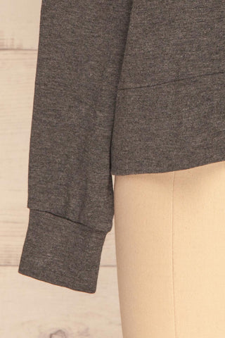 Cascajo Grey Long Sleeved Top | Chandail | La Petite Garçonne bottom close-up