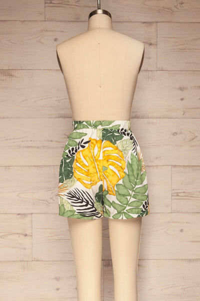 Cautivo Tropical Print Shorts w/ Pockets | La petite garçonne back view