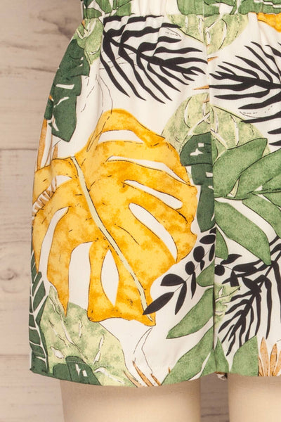 Cautivo Tropical Print Shorts w/ Pockets | La petite garçonne back close up