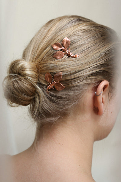 Ceta Rosegold Hair Combs Set with Leaves | Boudoir 1861 on model