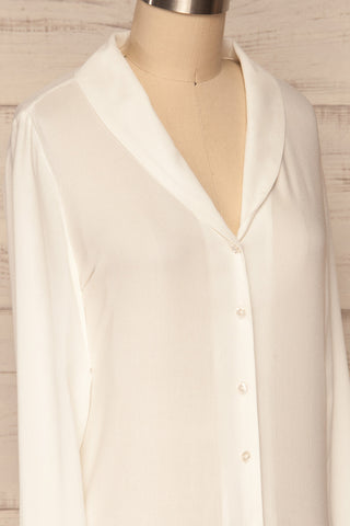 Clonmel Blanc White V-Neck Shirt side close up | La Petite Garçonne