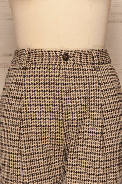 Comiso Beige Houndstooth Tailored Pants | La petite garçonne front close up
