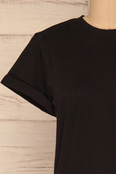 Dauve Black Rolled Sleeves T-Shirt | La petite garçonne front close-up