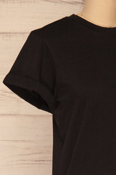 Dauve Black Rolled Sleeves T-Shirt | La petite garçonne side close-up
