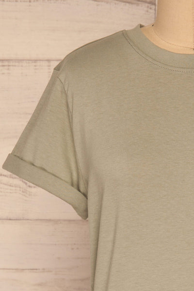 Dauve Seagrass Green Rolled Sleeves T-Shirt | La petite garçonne front close-up