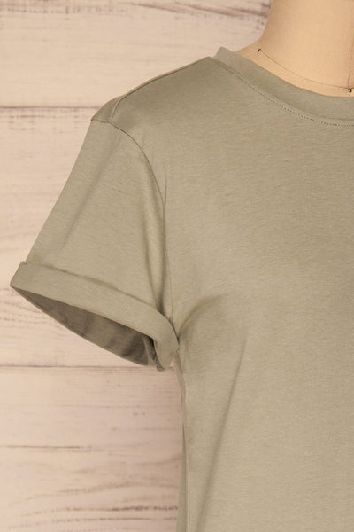 Dauve Seagrass Green Rolled Sleeves T-Shirt | La petite garçonne side close-up