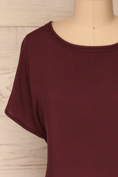 Dingja Burgundy Short Sleeved Loose T-Shirt | La Petite Garçonne 2