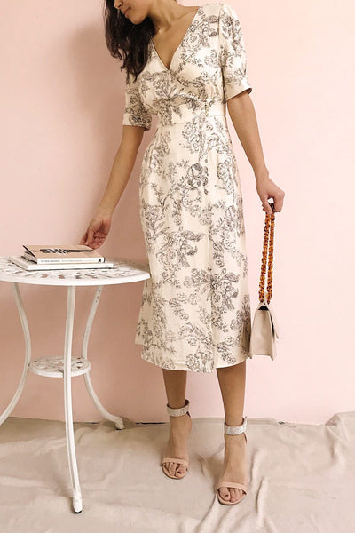 Cariyacu Off-White Floral Wrap Dress | La petite garçonne model look