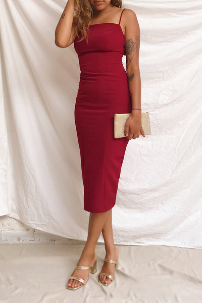Kavala Burgundy Fitted Midi Dress | La petite garçonne model look