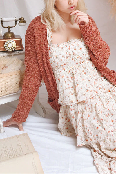 Aegle Rust Long Fuzzy Knitted Cardigan | Boutique 1861 model robe