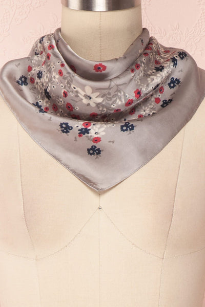 Éclat d'Été Gris Colourful Silky Square Scarf | Boutique 1861 3