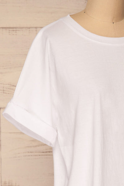 Eftang White Rolled Sleeves T-Shirt | La petite garçonne side close-up