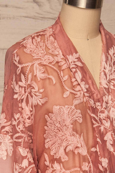 Eggjareir Pink Floral Lace Kimono side close up | La petite garçonne