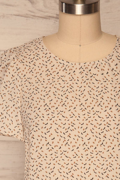 Eidstranda Beige Patterned Chiffon Top | La petite garçonne front close up